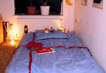 deko schlafzimmer hochzeit | möbelideen, Schlafzimmer ideen